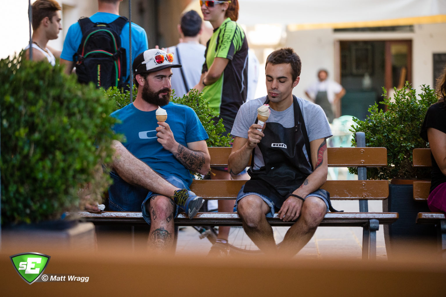 A rider and a mechanic enjoy a post-ride gelato. EWS 7 2014, Finale Ligure. Photo by Matt Wragg