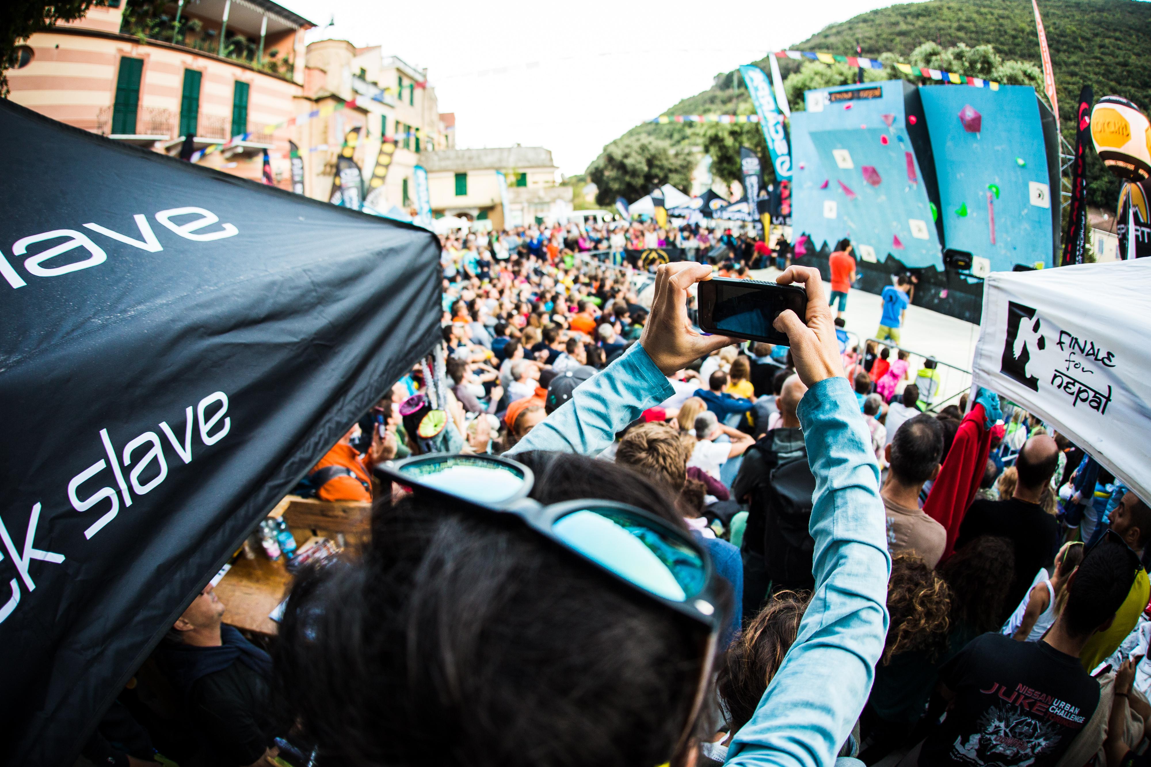 ARCHIVIATA CON SUCCESSO L'OTTAVA EDIZIONE DI FINALE FOR NEPAL, PROSEGUE IL FLOW OUTDOOR FESTIVAL CON IL MONDIALE DI MOUNTAIN BIKE FINALENDURO
